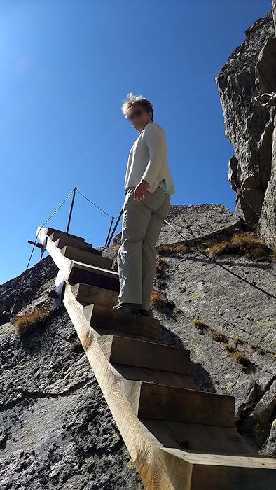 Person auf Klettersteig am Eggishorn
